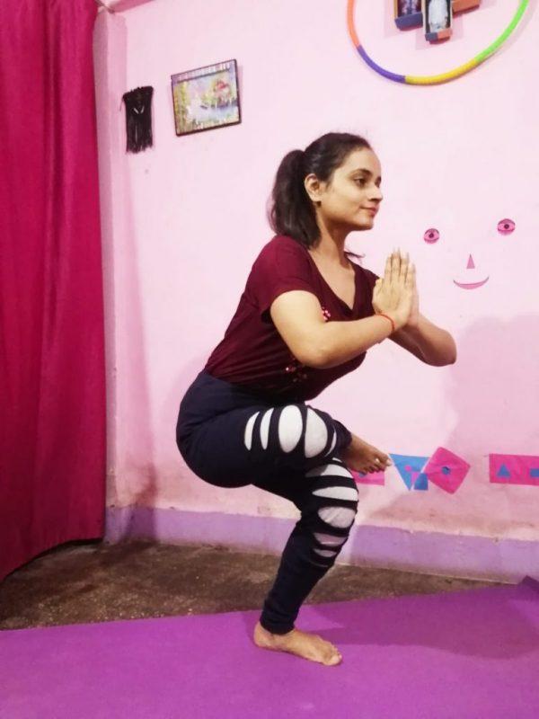 personal Yoga Teacher home in breach candy